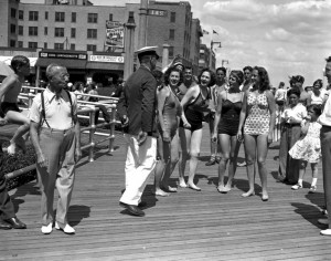 Rockaway Beach at Beach 116th Street (July 4th 1938)