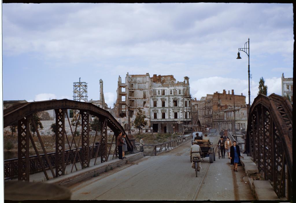 Barwy-Ruin-1947-3