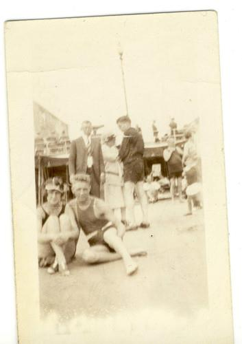 FLAPPERS HAVING FUN Rockaway Beach New York 1926 Irish Riviera