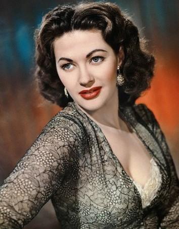 American actress Yvonne De Carlo