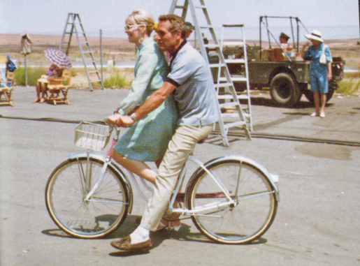 thumbs_paul-newman-joanne-woodward-bicycle