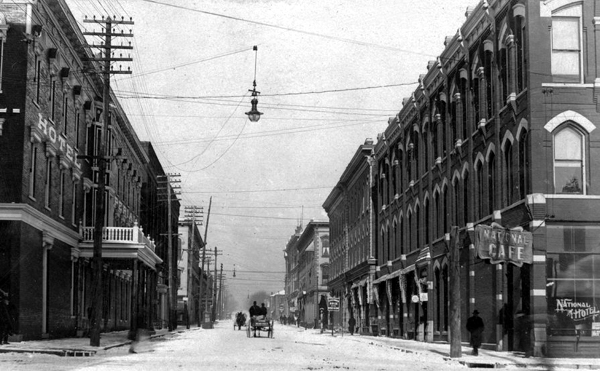 Leavenworth4thStreetEarly1900s
